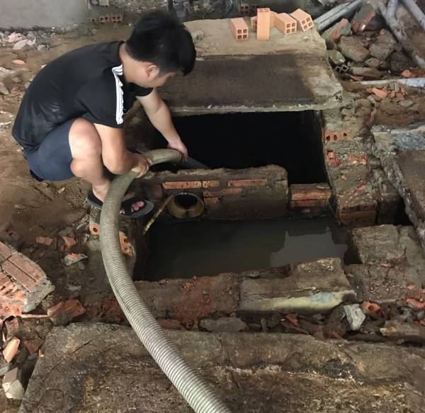 Hút hầm cầu huyện thủ thùa